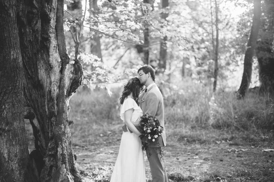 Fall wedding in Woodbury, Oregon by Briana Morrison